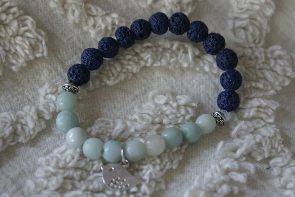 Essential Oil Bracelet/blue W/bird
