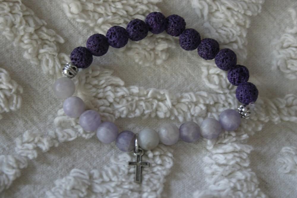 Essential Oil Bracelet/purple W/cross