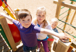 Play connection: Children with autism who feel socially isolated may have few opportunities for active play, causing them to gain weight.©iStock.com / dolgachov