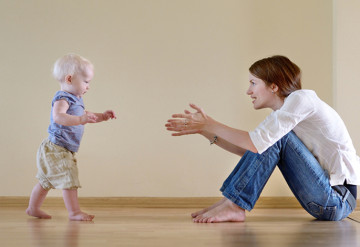 Equal footing: The timing of a toddler's first steps may provide a clue to the path to intellectual disability in autism.   © shutterstock.com/ MNStudio