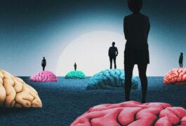 脑子里有很多颜色,还有人站在上面,从阴影里走出来