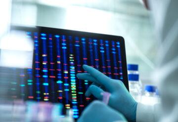 在实验室设置的计算机屏幕上的遗传测序。