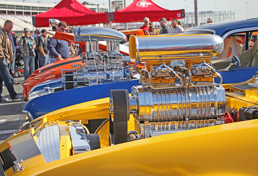 Photos beautiful cars abound at pennzoil autofair speed for Auto fair at charlotte motor speedway