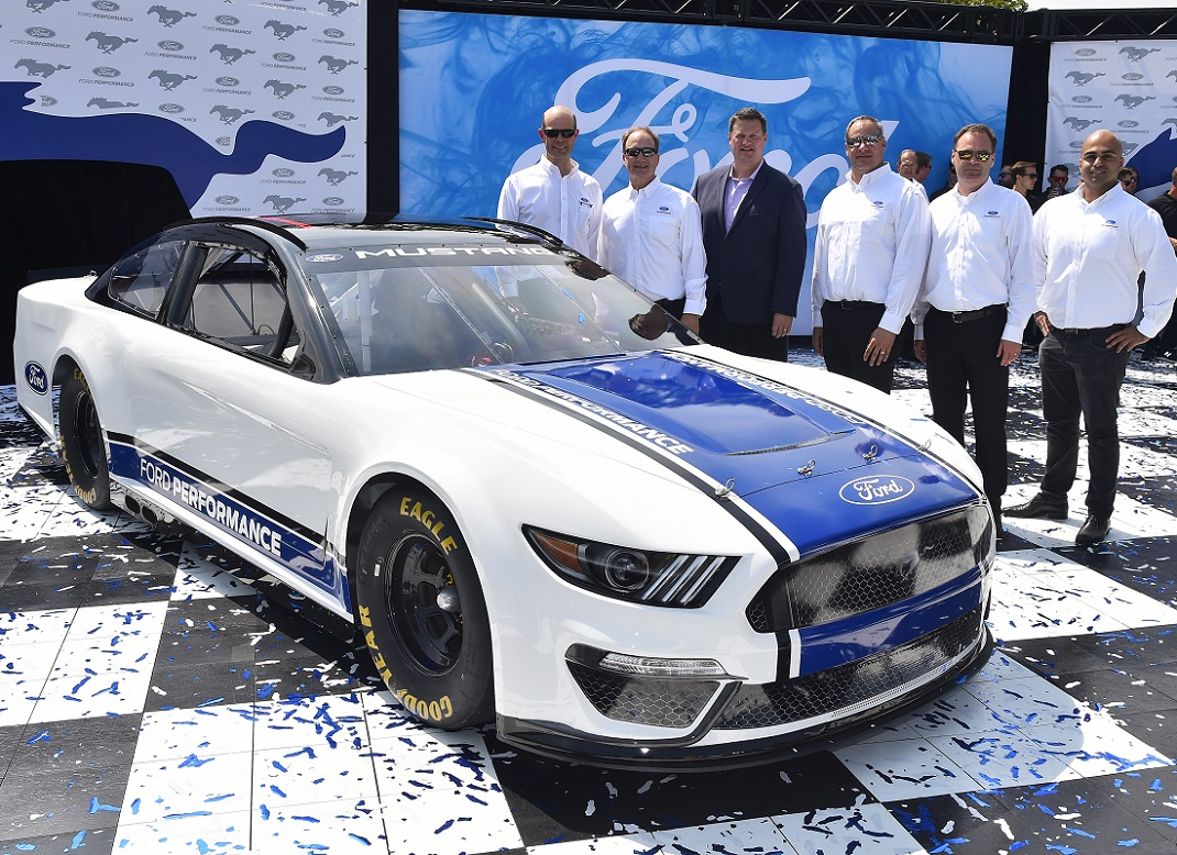 ford reveals  nascar cup series mustang speed sport