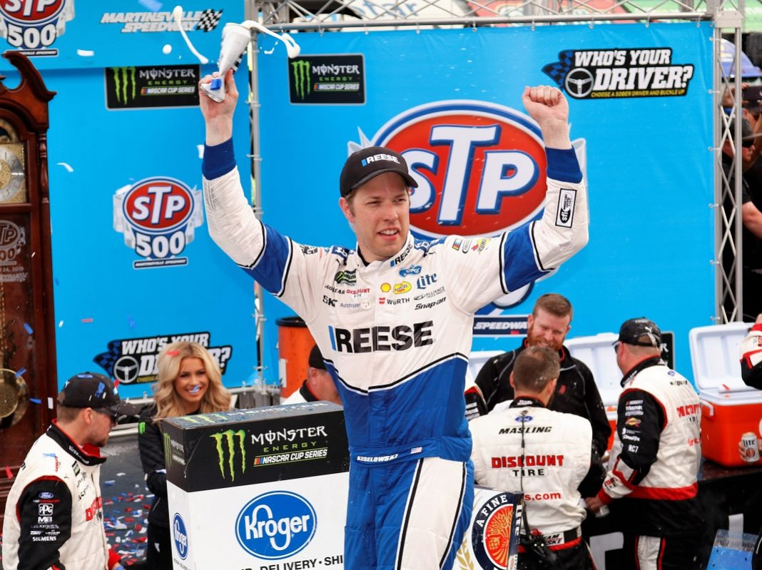 Keselowski dominates in victory at Paperclip
