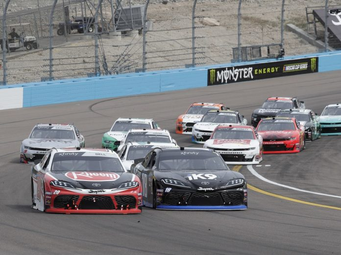 Johnson starting on Cup pole in Texas, Busch goes for sweep