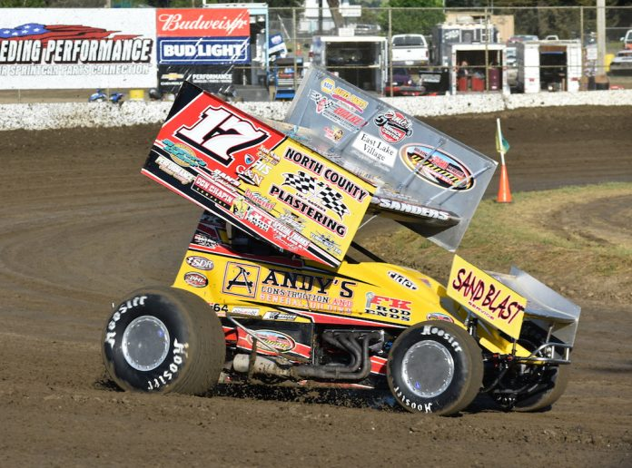 Justin Sanders en route to victory at Ocean Speedway. (Joe Shivak photo)