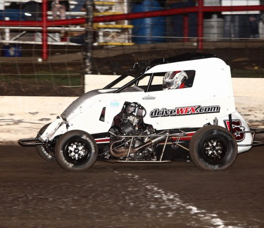 Ryan Timms en route to victory at Port City Raceway. (Richard Bales photo)