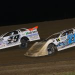 Hudson O'Neal (71) battles Jonathan Davenport Thursday at 34 Raceway. (Brendan Bauman photo)
