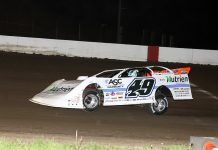 Jonathan Davenport en route to victory at 300 Raceway. (Mike Ruefer photo)