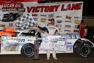 Jonathan Davenport in victory lane. (Mike Ruefer photo)