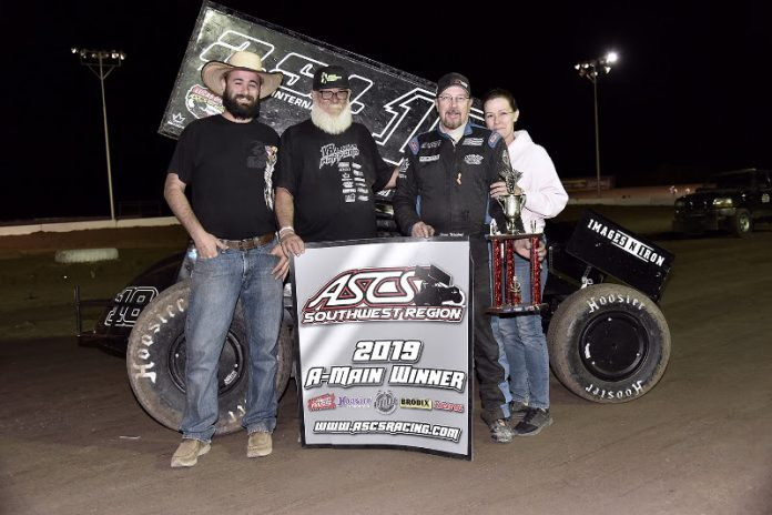 Lorne Wofford in victory lane. (Ben Thrasher photo)