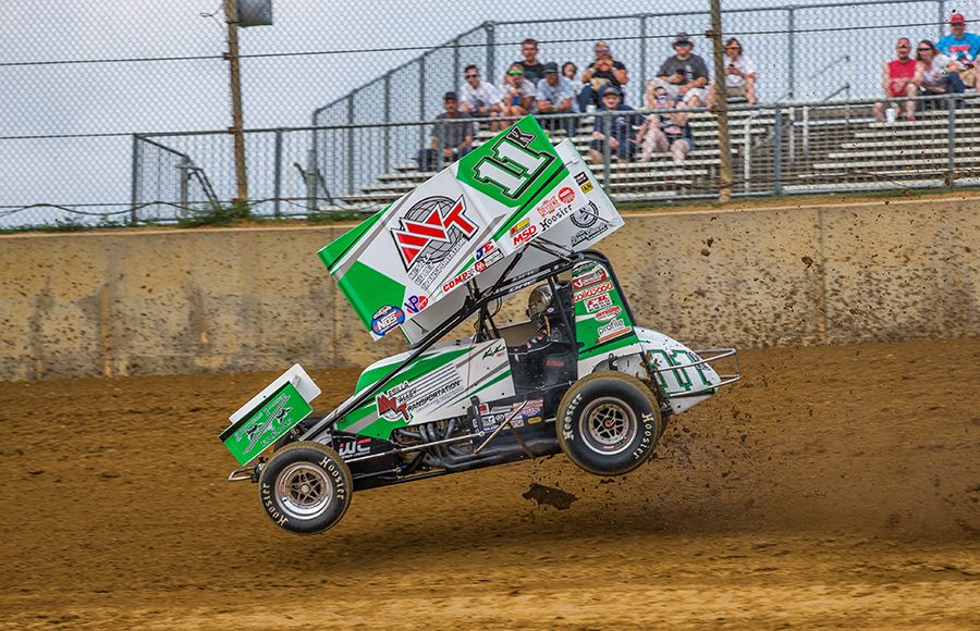 Kraig Kinser had a small issue early during Monday's World of Outlaws NOS Energy Drink Sprint Car Series event at Lawrenceburg Speedway. (Dallas Breeze Photo)