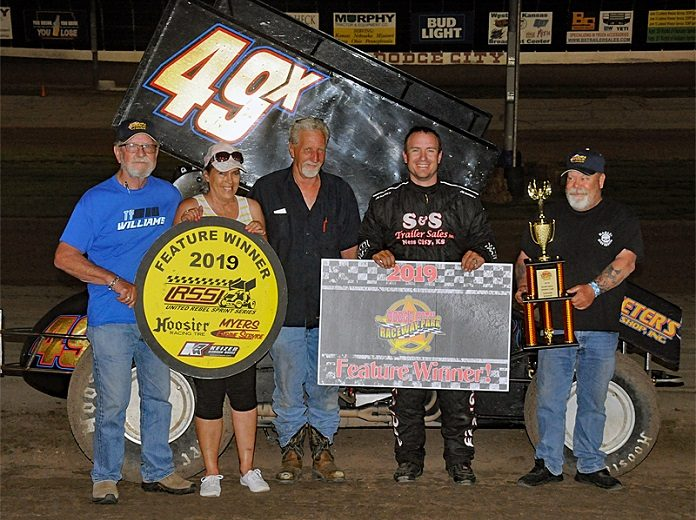 Cranston Tops Dodge City Vs  URSS Sprint | SPEED SPORT