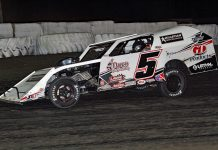 Curt Spalding won Thursday's DIRTcar modified feature at Kankakee County Speedway. (Jim DenHamer photo)