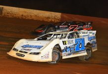 Hudson O'Neal (71) battles Ricky Weiss at Smoky Mountain Speedway. (Michael Moats photo)