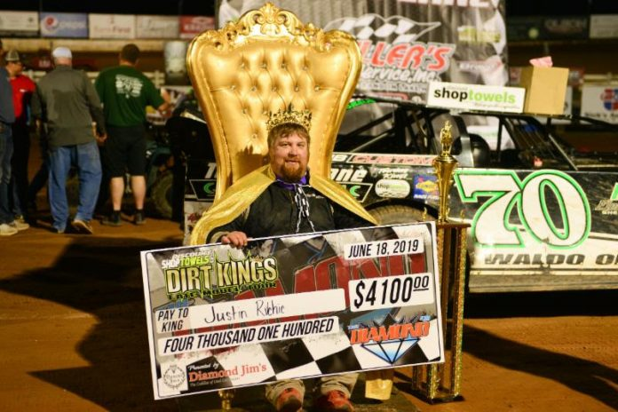 Justin Ritchie in victory lane at 141 Speedway in Wisconsin. (Dirt Kings photo)