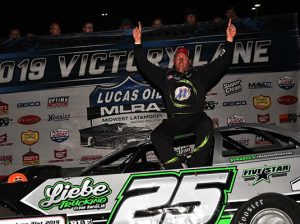 Chad Simpson won his third-straight MLRA feature on Friday at Rapid Speedway. (Lloyd Collins Photo)