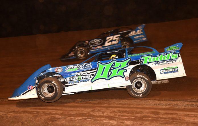 Michael Norris (02) battles Mason Zeigler Friday night at Lernerville Speedway. (Paul Arch photo)