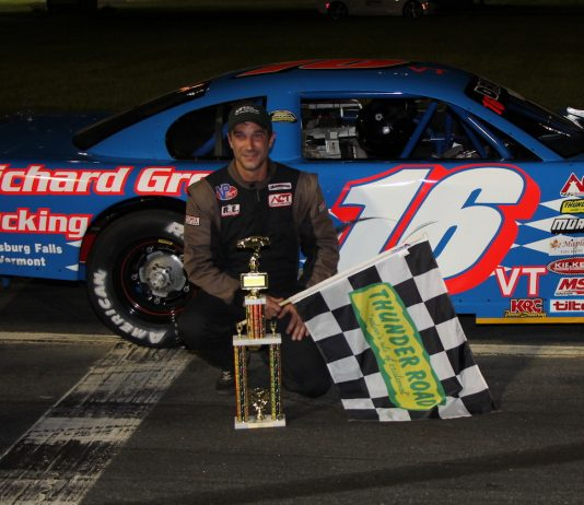 Scott Dragon won Friday's late model feature at Thunder Road Int'l Speedbowl. (Alan Ward photo)