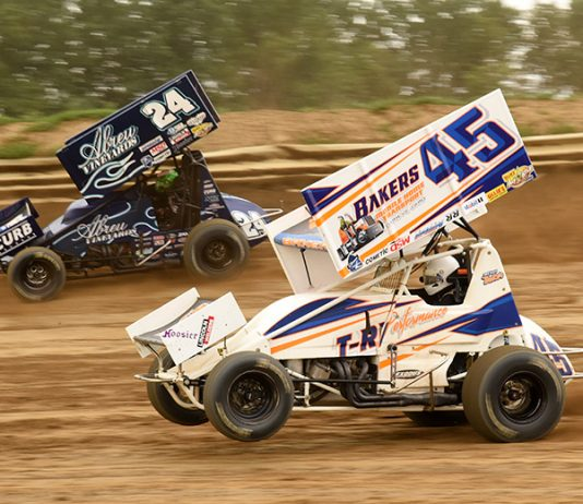 Trevor Baker (45) battles Rico Abreu at Wayne County Speedway earlier this week. (Paul Arch Photo)