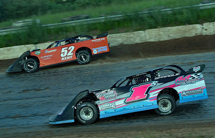 Andy Sprague (1) battles Ryan Kent during Saturday's American Ethanol Late Model Tour event at Thunderbird Raceway. (Jim Denhamer Photo)