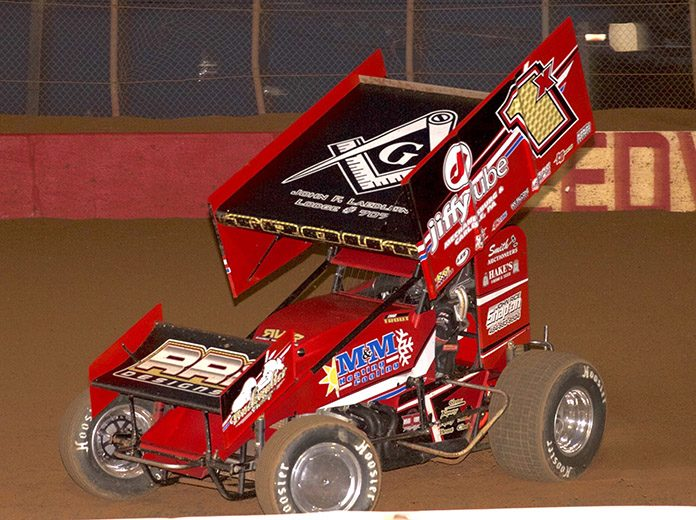 Chad Trout powered to victory in Saturday's Pennsylvania Sprint Speedweek event at Lincoln Speedway. (Dan Demarco Photo)