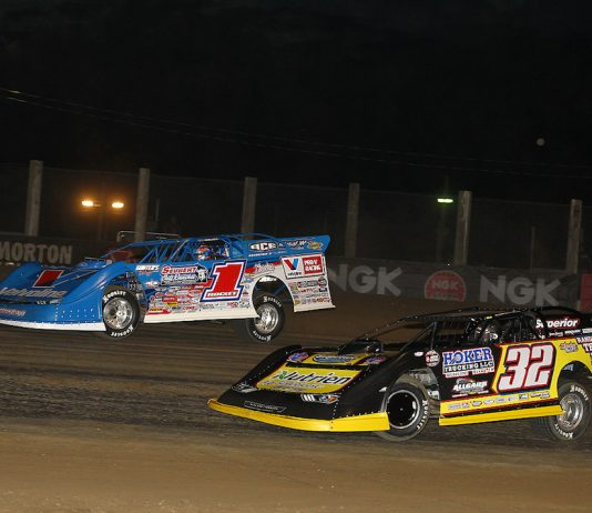 Brandon Sheppard (1) battles Chris Simpson at Independence Motor Speedway. (Mike Ruefer photo)
