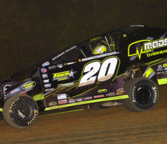 Brett Hearn won Friday night's modified feature at Albany-Saratoga Speedway. (Dave Dalesandro photo)