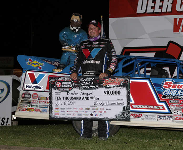 Brandon Sheppard in victory lane. (Scott Swenson photo)