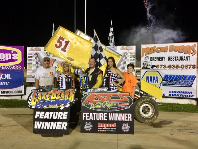 Mitchell Moore in victory lane with the ASCS Warrior region. (Greg Stanek photo)