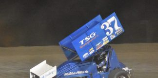 Mitchell Faccinto en route to victory at Siskiyou Golden Speedway. (Joe Shivak photo)
