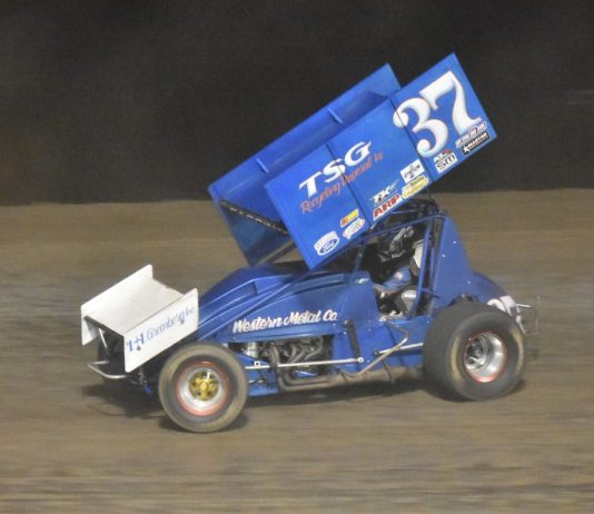 Mitchell Faccinto en route to victory at Siskiyou Golden Speedway. (Joe Shivak photo)
