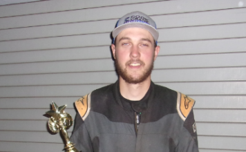 Kinzer Cox won Saturday's sprint car feature at Southern Oregon Speedway.