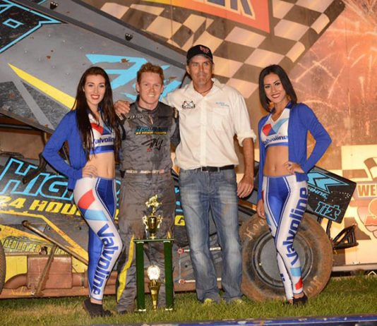 Peter Murphy (second from right) will partner with Brad Sweet (second from left) to present the Fastest Four Days in Motorsports featuring King of the West-NARC Fujitsu 410 Sprint Car Series.