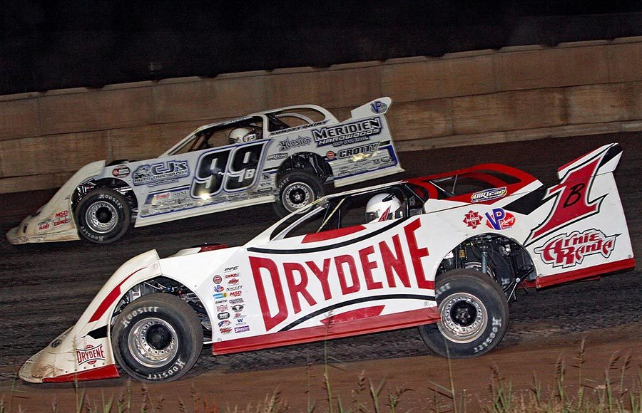Brent Larson (B1) battles Boom Briggs during Tuesday's World of Outlaws Morton Buildings Late Model Series event at Shawano Speedway. (Jim Denhamer Photo)