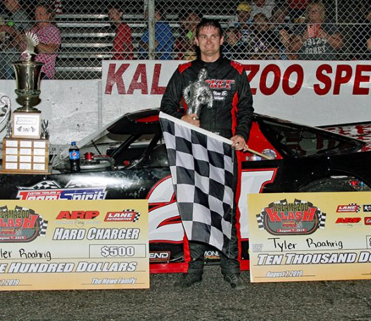 Tyler Roahrig in victory lane Wednesday after winning the Kalamazoo Klash at Kalamazoo Speedway. (Jim Denhamer Photo)