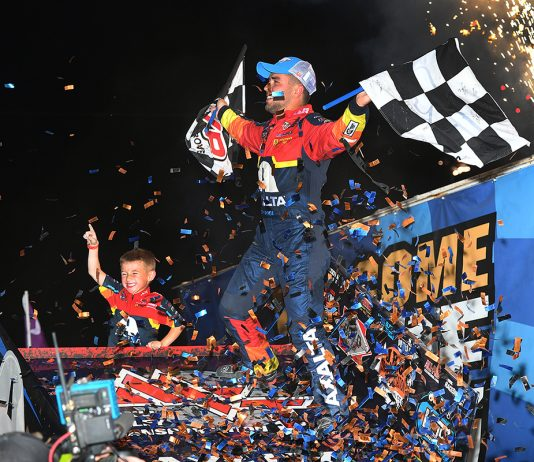 David Gravel celebrates after winning the 59th Knoxville Nationals. (Mike Campbell Photo)