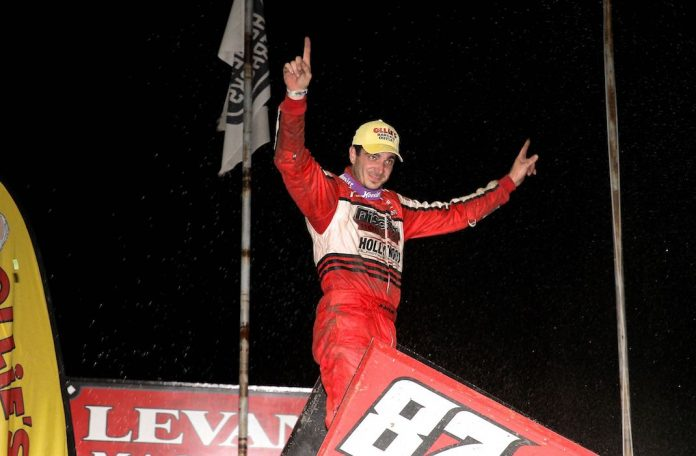 Aaron Reutzel won the Hodnett Cup at Pennsylvania's Grandview Speedway. (Dan Demarco photo)