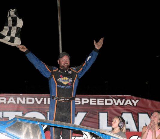 Mike Gular in victory lane at Grandview Speedway. (Dan Demarco photo)