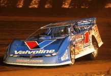 Brandon Sheppard en route to winning the Dirt Million at Mansfield Motor Speedway. (Julia Johnson photo)