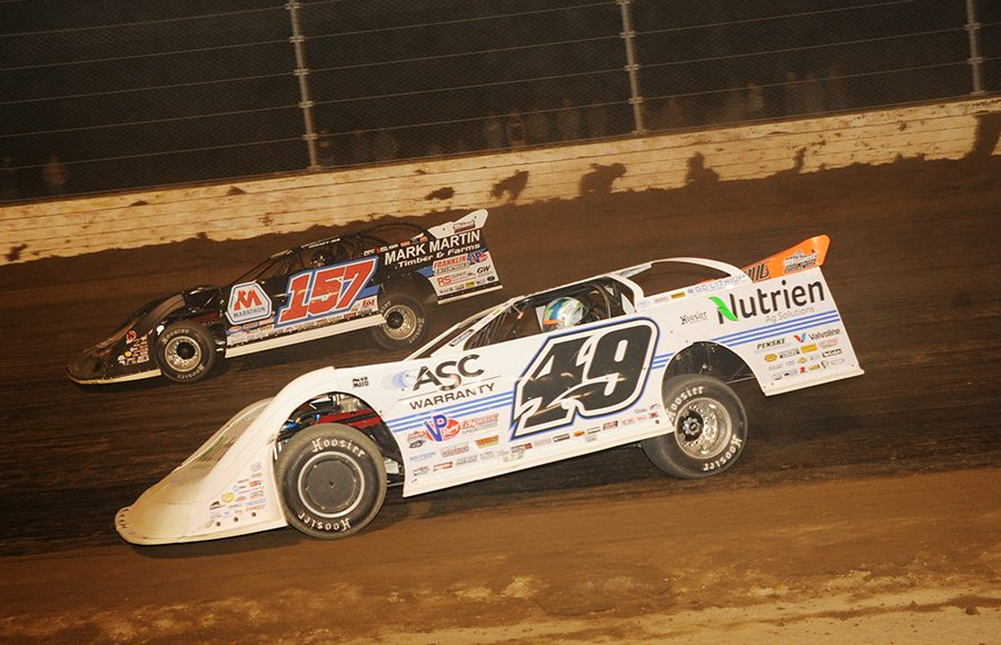 Jonathan Davenport (49) races to the inside of Mike Marlar during Saturday's Dirt Million at Mansfield Motor Speedway. (Julia Johnson Photo)