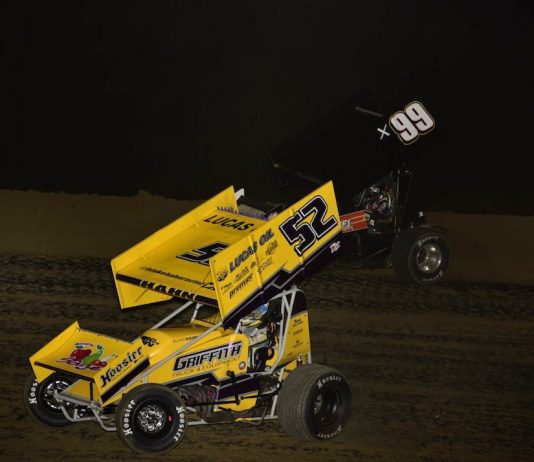 Blake Hahn (52) races under Austin McCarl at 34 Raceway. (Mark Funderburk photo)