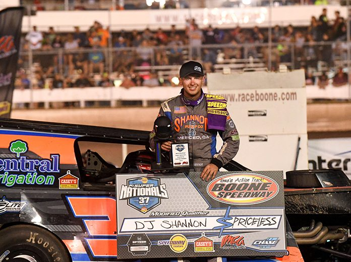 D.J. Shannon led a California sweep of the top three places in Thursday's first Modified qualifying feature at the IMCA Speedway Motors Super Nationals fueled by Casey's. (Tom Macht Photo)