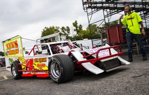 The rule book for the World Figure-8 Championship is very limited and encourages race teams to think outside of the box. (Ian Plasch Photo)