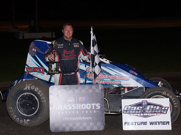 Shane Cockrum in victory lane Friday night at Gas City I-69 Speedway. (Gary Gasper Photo)
