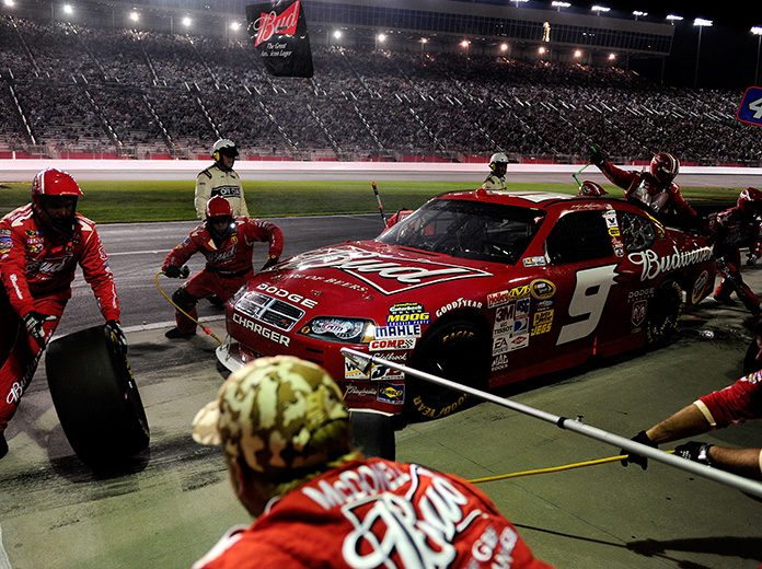 Kasey Kahne got a big push late in the Pep Boys Auto 500 to win at Atlanta Motor Speedway in 2009. (NASCAR Photo)