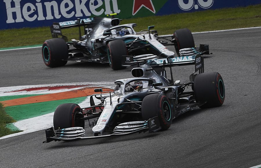 Lewis Hamilton (44) battles teammate Valtteri Bottas during Sunday's Italian Grand Prix. (Steve Etherington Photo)