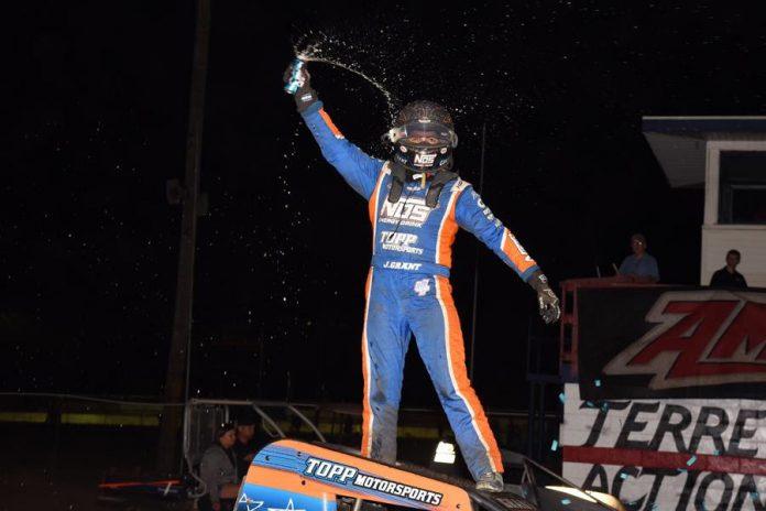 Justin Grant in victory lane. (David Nearpass photo)