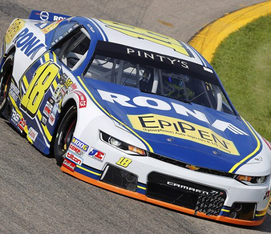 Alex Guénette will drive in place of Alex Tagliani this weekend at New Hampshire Motor Speedway in NASCAR Pinty's Series competition.